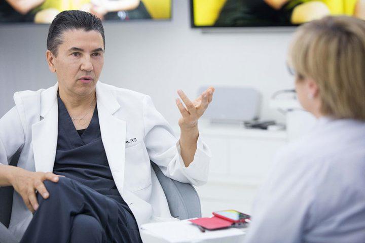 """Dr. Constantin Stan: """"Când nu există măsură, chirurgia estetică devine chirurgia hidosului, a nenaturalului, a distrugerii"""""""